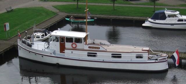 de boot van Marquet bijgesneden
